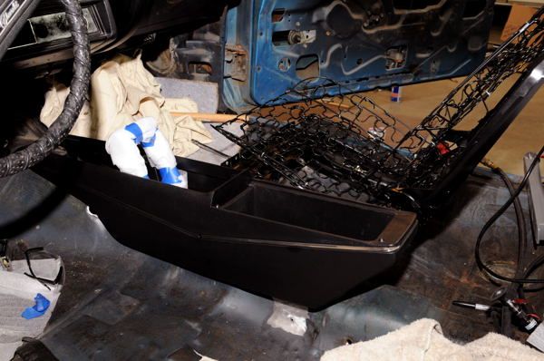 install center console chevelle tech i ll bet we had the staple shifter and console in and out 15 times making sure we had the right dimples and alignment